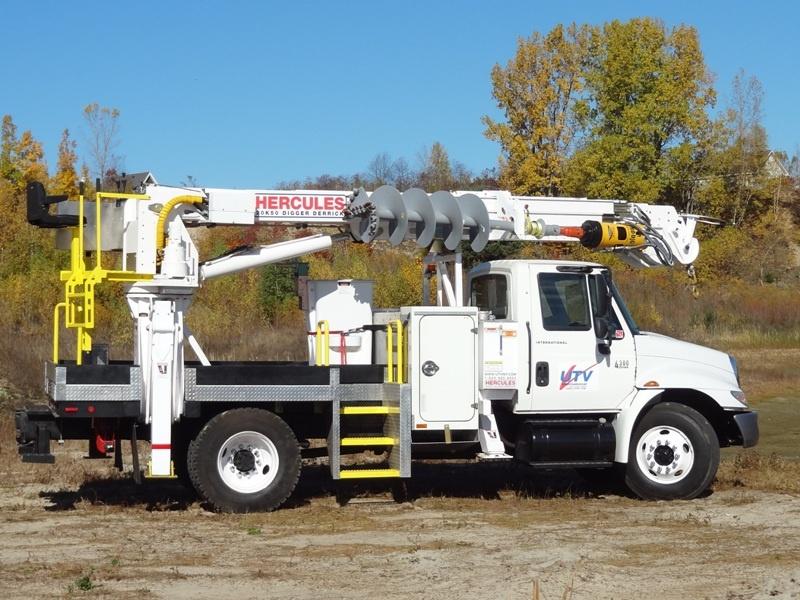 UTV International Hercules 20K50 DD Truck Digger Derrick ...
